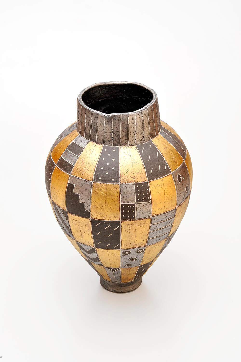 2009年9月4日から開催の「寄神 千恵子 陶展」の作品画像3