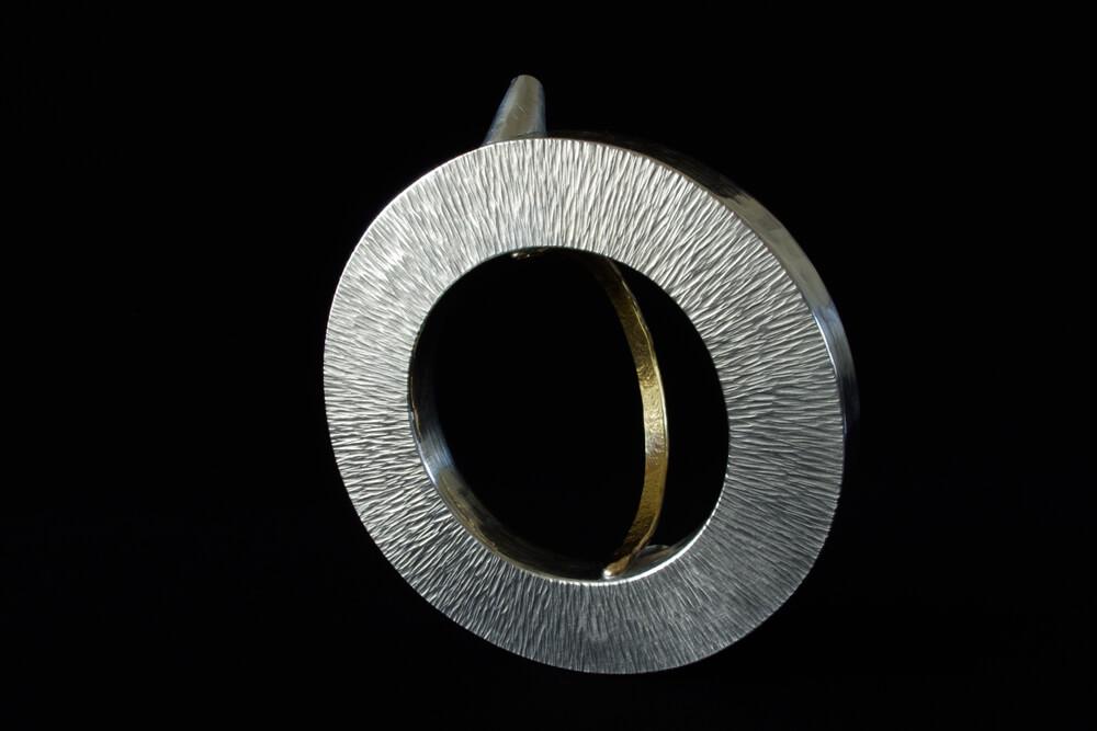 2011年9月9日から開催の「金工 角居 康宏 展」の角居 康宏の作品画像8