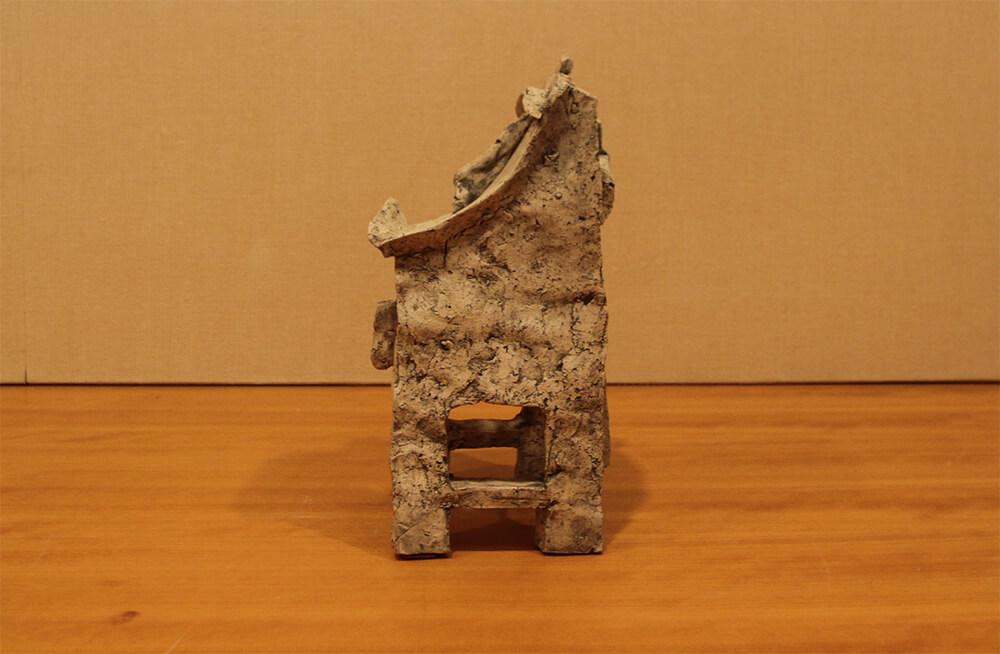 伊藤慶二の作品写真左横の見た目