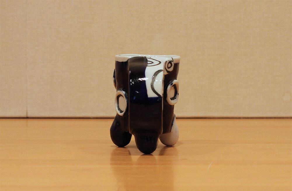 ラファエル・ナバスの作品写真背面の見た目